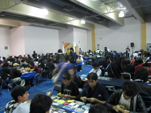 This picture was taken at the end of Round 4. Only about 20 Duelists had dropped at this point. Everybodoy wanted to keep playing!