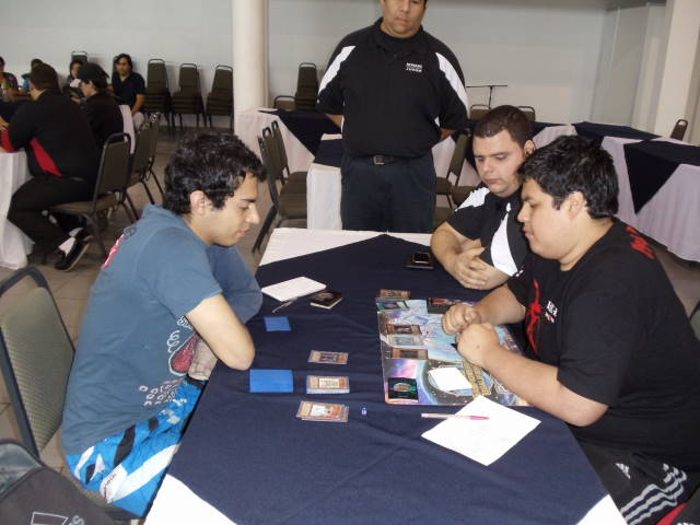 Munoz (left) vs Velarde (right)