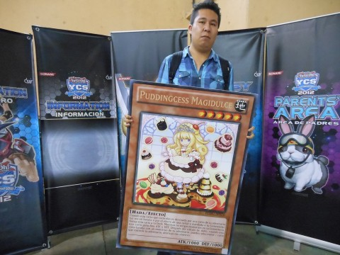 Eli Cerdan and his very own GIANT copy of Puddingcess Magidulce!