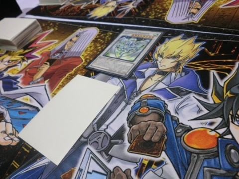 Vissa retaliates with Yusei's signature card